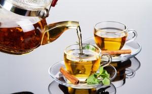 Desktop Wallpaper: Clear Glass Teapot P...