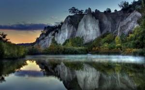 Desktop Wallpaper: Gray Rocky Mountain ...