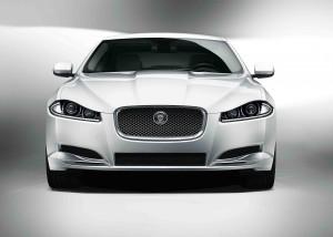 Desktop Wallpaper: Silver Jaguar Sedan