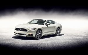 Desktop Wallpaper: Silver Mustang GT