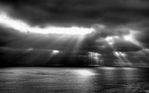 Desktop Wallpaper: Sun Rays Passing Thr...