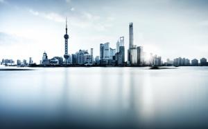 Desktop Wallpaper: City Across Body Of ...