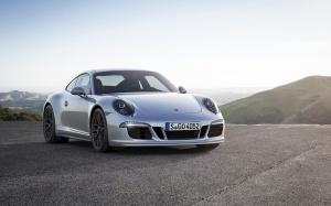 Desktop Wallpaper: Silver Porsche Carre...