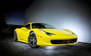 Desktop Wallpaper: Yellow Luxury Car