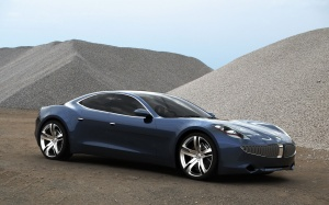 Desktop Wallpaper: Blue Sedan On Desert...