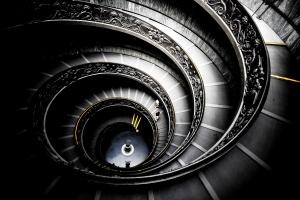 Desktop Wallpaper: Black Spiral Stairs ...