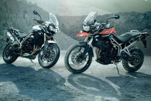 Desktop Wallpaper: Two Black Sports Bik...