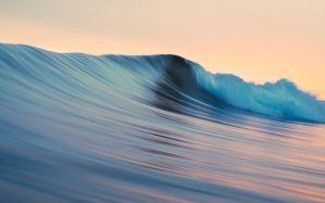 Desktop Wallpaper: Water wave