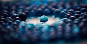Desktop Wallpaper: Glass balls