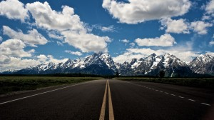 Desktop Wallpaper: Grey asphalt road