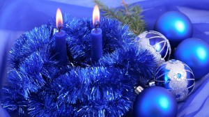 Desktop Wallpaper: Blue baubles,garland...