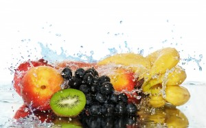 Desktop Wallpaper: Fruits in Water Drop...