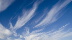 Desktop Wallpaper: White Stratus Cloud