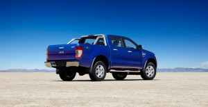 Desktop Wallpaper: Blue Pick Up Truck O...