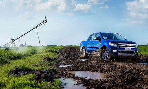 Desktop Wallpaper: Blue Ford Ranger Cre...