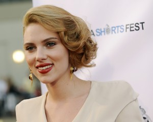 Desktop Wallpaper: Scarlett Johansson I...