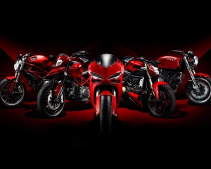 Desktop Wallpaper: 5 Red Motorcycles Wi...