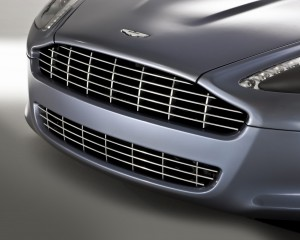 Desktop Wallpaper: Silver Aston Martin ...