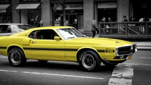 Desktop Wallpaper: Yellow Ford Mustang