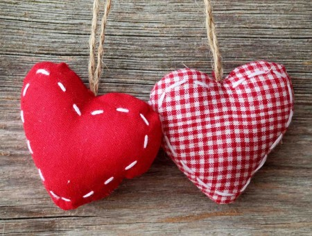 Red And White Checkered Hearts Keychains