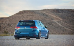 Desktop Wallpaper: Blue Volkswagen Golf...