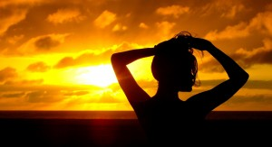 Desktop Wallpaper: Silhouetted Woman Ho...