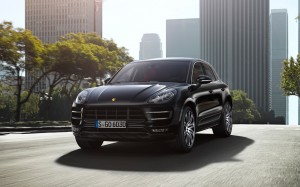 Desktop Wallpaper: Black Porsche Macan