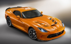 Desktop Wallpaper: Orange Dodge Viper