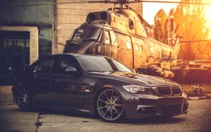 Desktop Wallpaper: Black BMW sedan