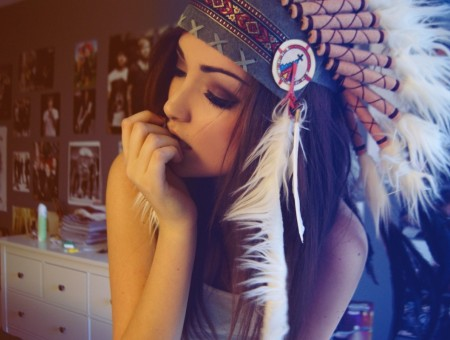Women's white black native america headdress