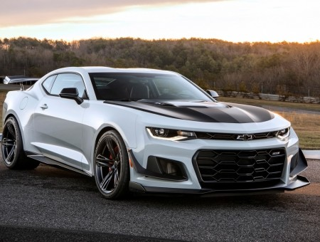 White Sports Chevrolet Camaro