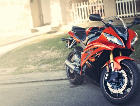 Red Yamaha YZF-R6