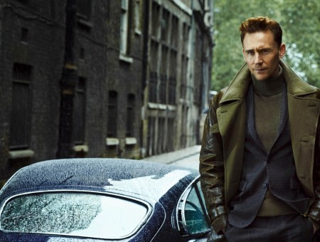 tom hiddleston and car