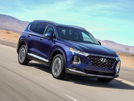 Hyundai Santa Fe 2019 on the track